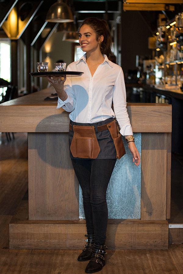 horeca sloof Hollandia-M510-jeans-+-cognac-cognac-impressie-NIET-TE-VEEL-AANDACHT--(light)IMG_4532